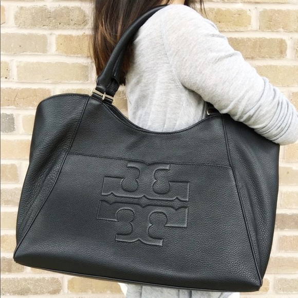 a0e379a8396d Tory Burch Bombe Large East West Tote Bag